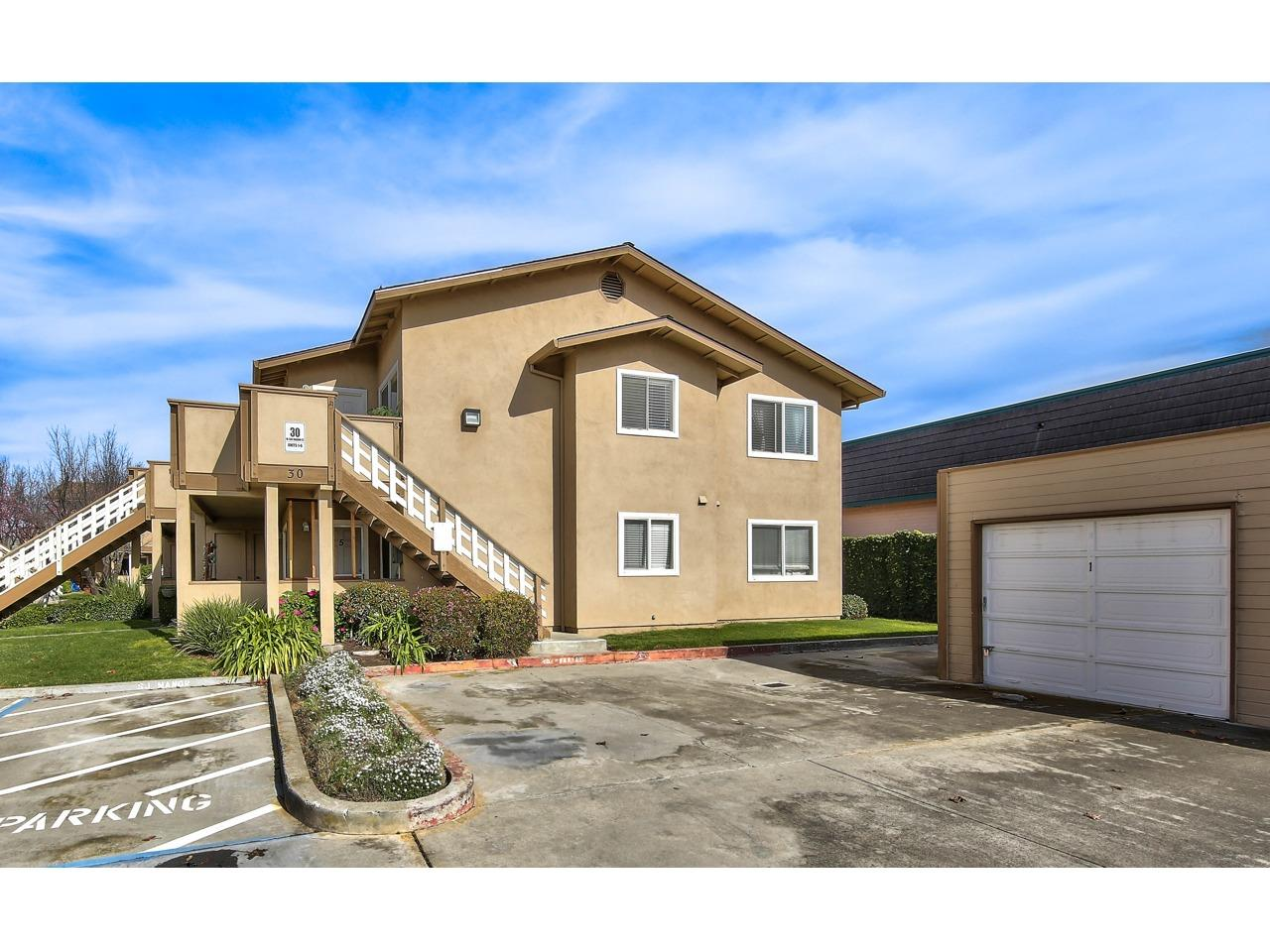 Detail Gallery Image 1 of 1 For 30 W San Joaquin St #6,  Salinas,  CA 93901 - 2 Beds | 1 Baths