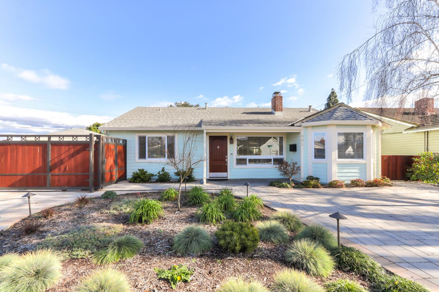 Detail Gallery Image 1 of 1 For 601 Enright Ave, Santa Clara, CA, 95050 - 4 Beds | 2 Baths