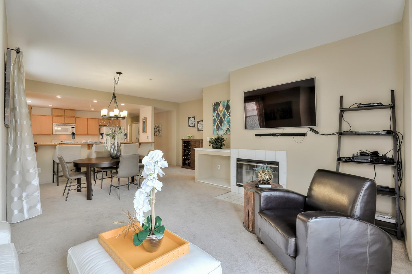 Detail Gallery Image 1 of 1 For 952 S 11th St #231, San Jose, CA, 95112 - 2 Beds | 2 Baths