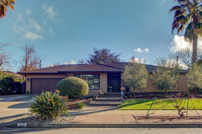 132 Meadowbrook DR, Los Gatos in Santa Clara County, CA 95032 Home for Sale