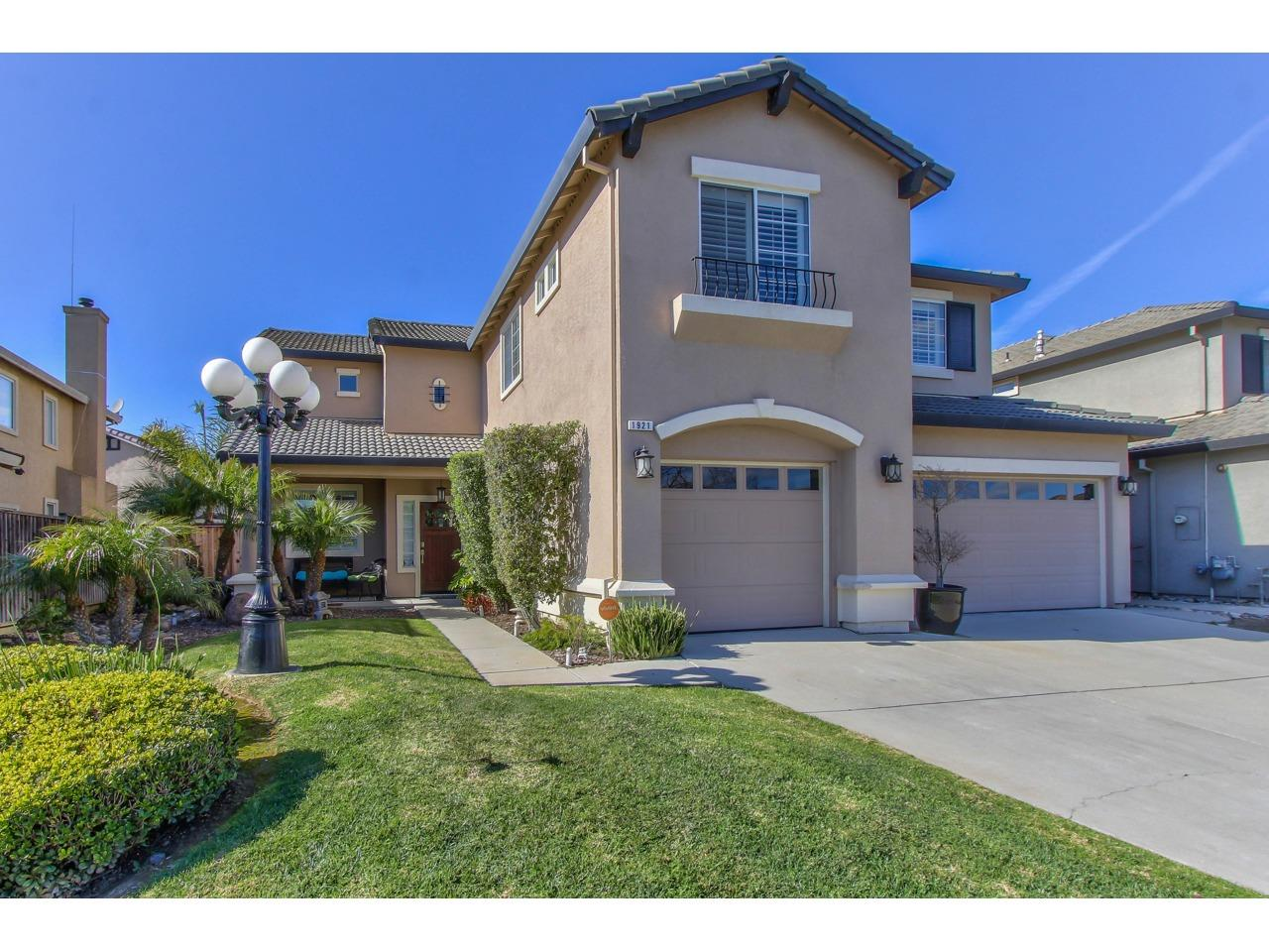 Detail Gallery Image 1 of 1 For 1921 Whitman St, Salinas,  CA 93906 - 4 Beds | 2/1 Baths