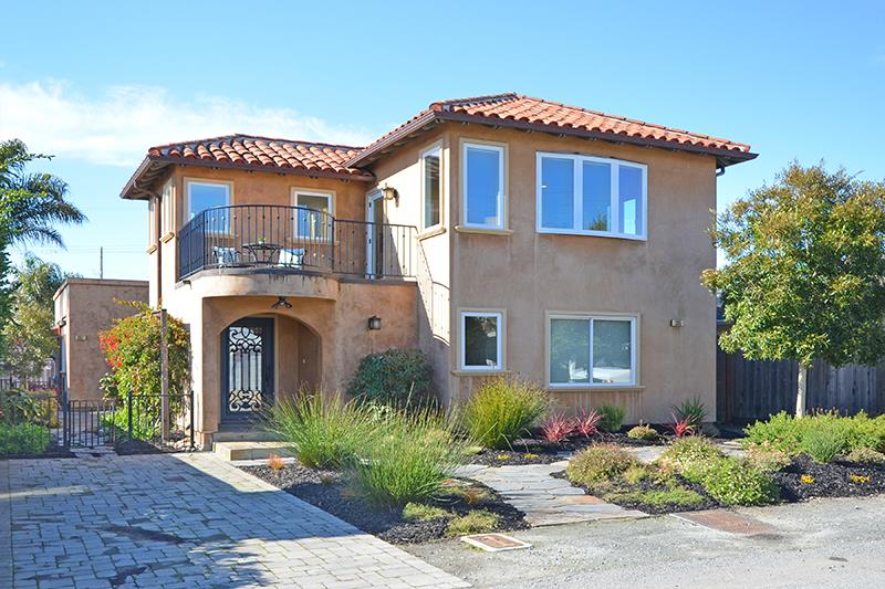 Detail Gallery Image 1 of 42 For 305 & 307 34th Ave, Santa Cruz, CA, 95062 - 3 Beds | 2/1 Baths
