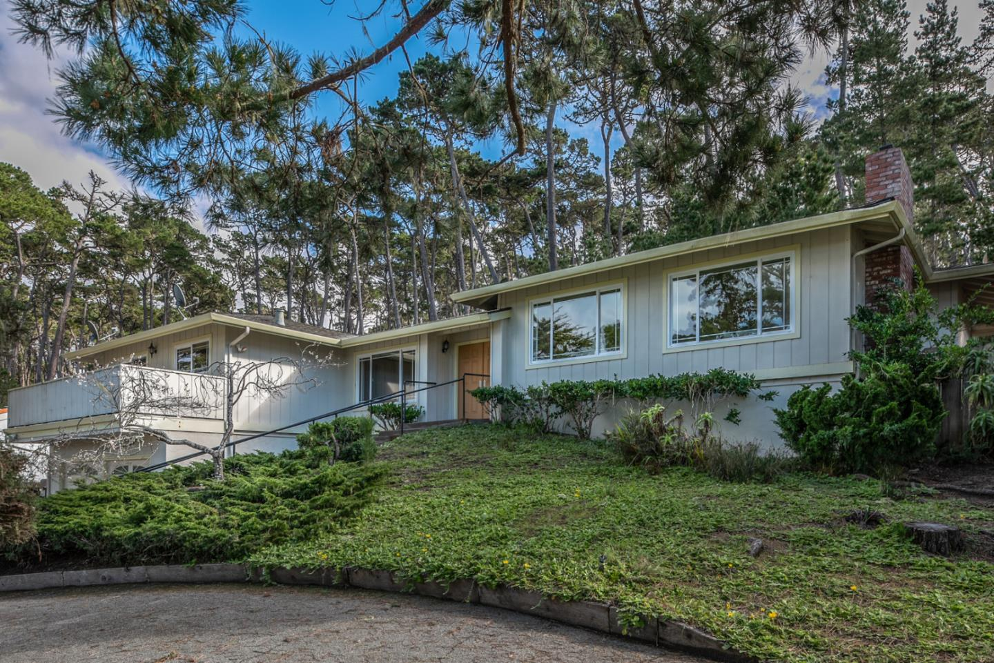 Detail Gallery Image 1 of 14 For 3021 Forest Way, Pebble Beach, CA, 93953 - 3 Beds   2 Baths