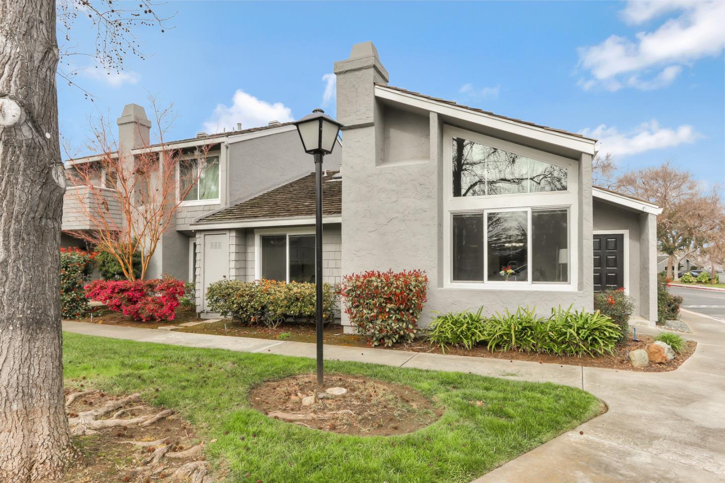 Detail Gallery Image 1 of 1 For 1036 Cumberland Pl, San Jose,  CA 95125 - 2 Beds | 2 Baths