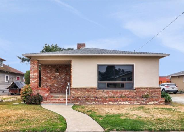 Detail Gallery Image 1 of 1 For 330 Mapleton Ave, Hollister, CA 95023 - 3 Beds   2 Baths