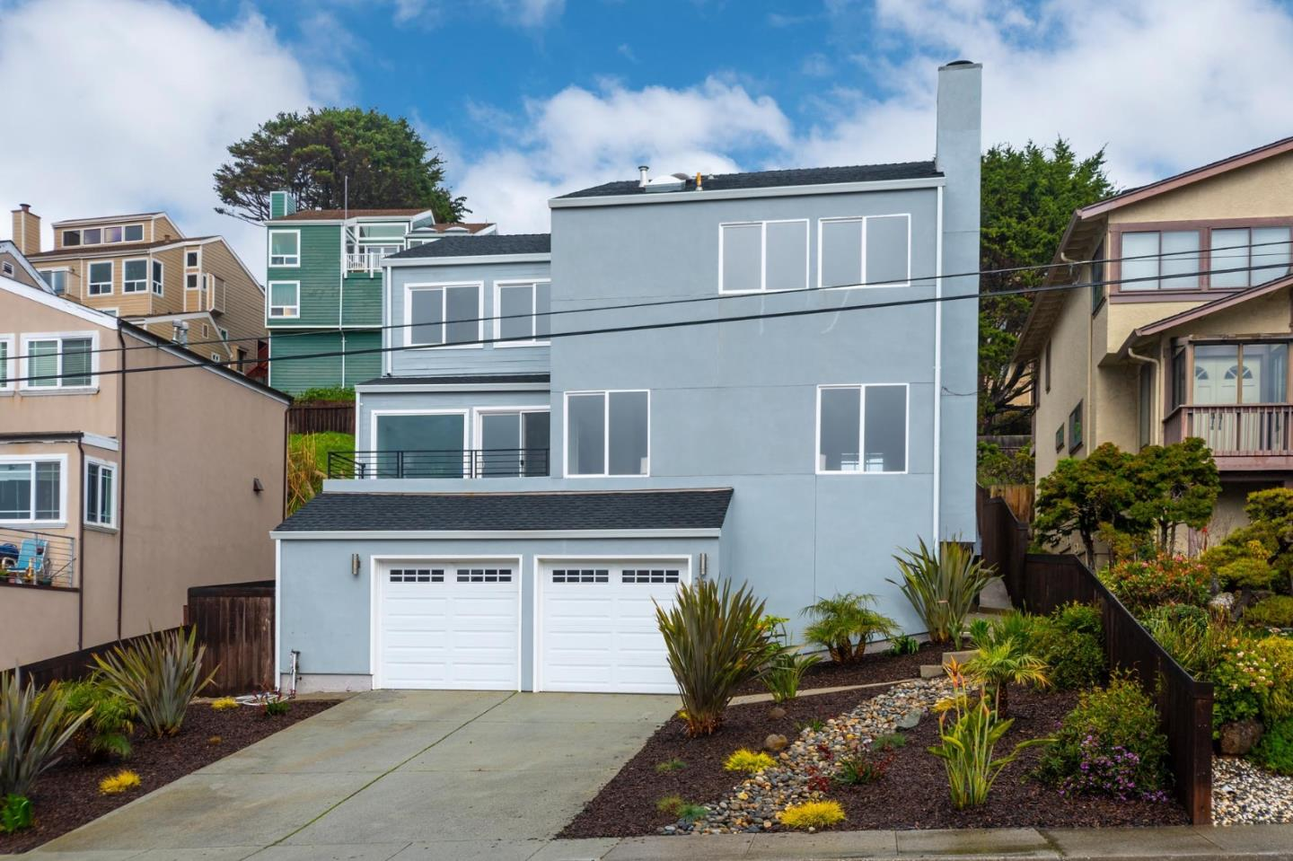 Detail Gallery Image 1 of 1 For 231 Winwood Ave, Pacifica, CA, 94044 - 4 Beds | 2/1 Baths