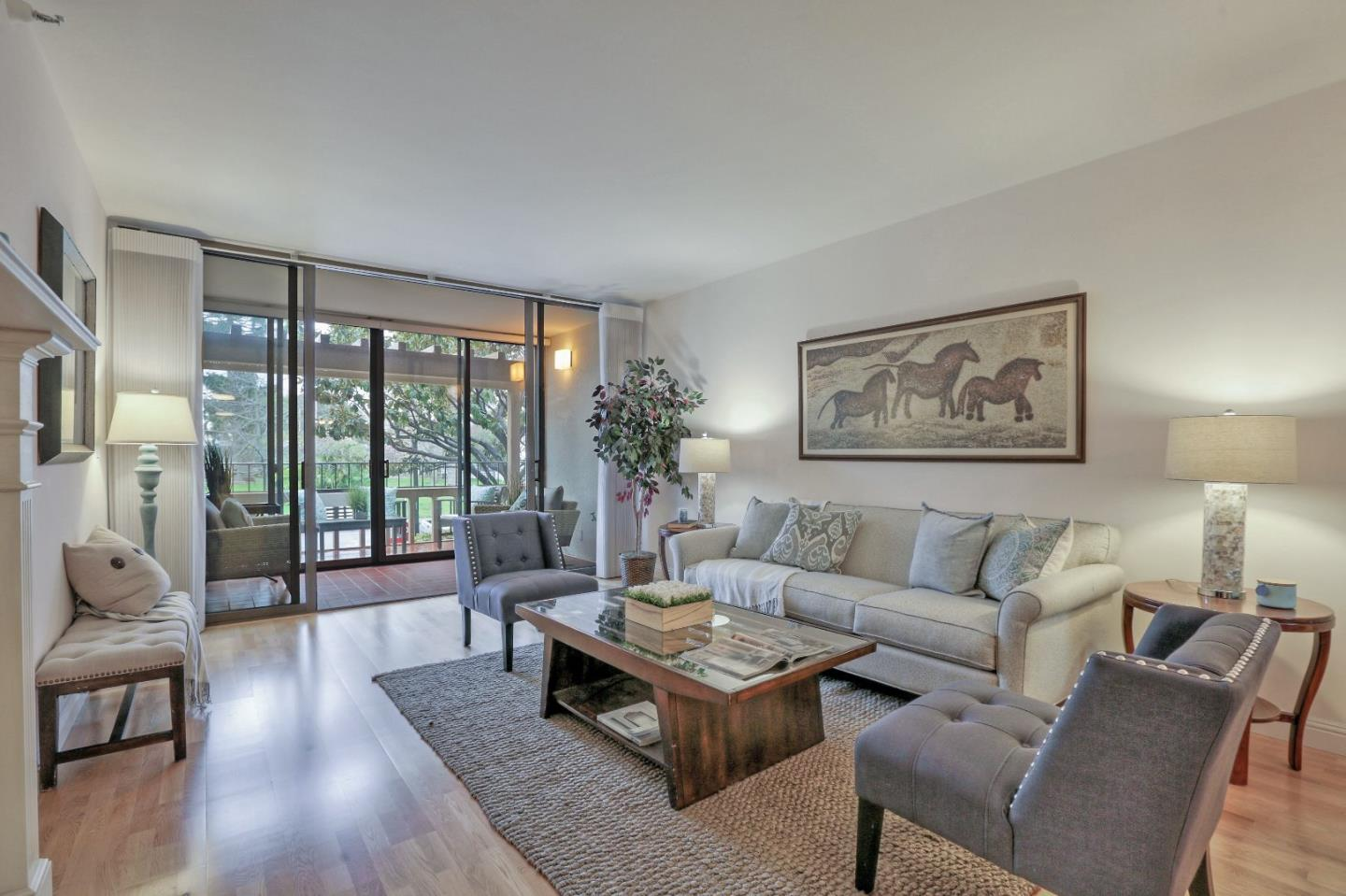 Detail Gallery Image 1 of 1 For 555 Laurel Ave #114, San Mateo, CA 94401 - 1 Beds | 2 Baths