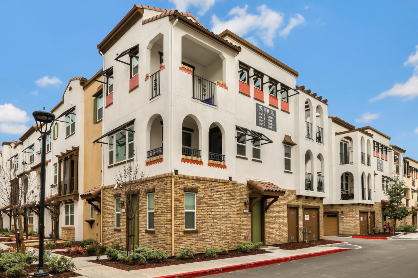 Detail Gallery Image 1 of 1 For 2727 Terni Ct #5, San Jose, CA, 95111 - 3 Beds | 3/1 Baths