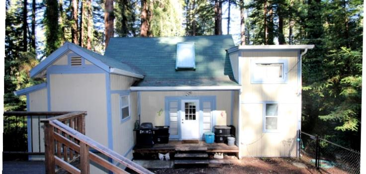 You'll love this charming mountain 3 bedroom, 2 bath home with a 1 car garage and parking area for at least 3 more cars!  Cozy atmosphere when it's time to cuddle up by wood burning stove with a good book. Wake up each morning or drift off to sleep each night with the tranquil sounds of nature, especially after a great rainy season! The back of the property is awesome with  seasonal stream along with room for fun gatherings or just enjoying nature! Come by and see for yourself!