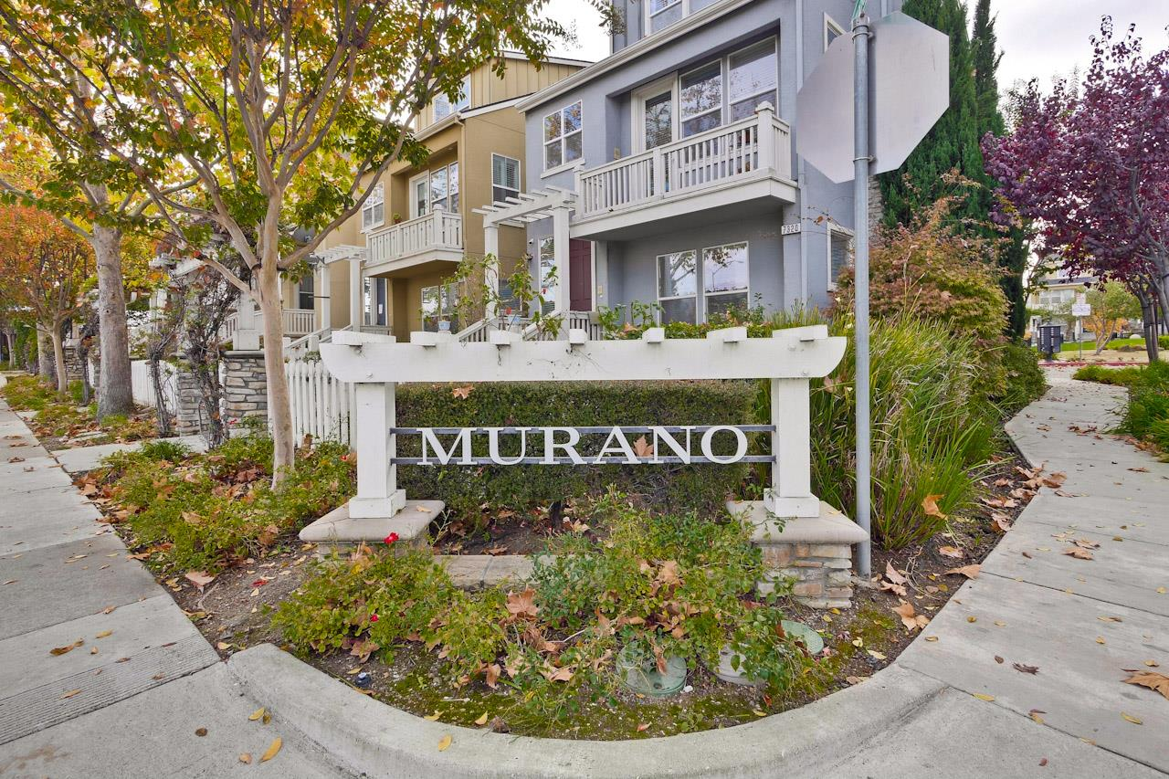 Detail Gallery Image 1 of 1 For 11523 Bianchini Ln, Cupertino, CA, 95014 - 4 Beds | 4 Baths