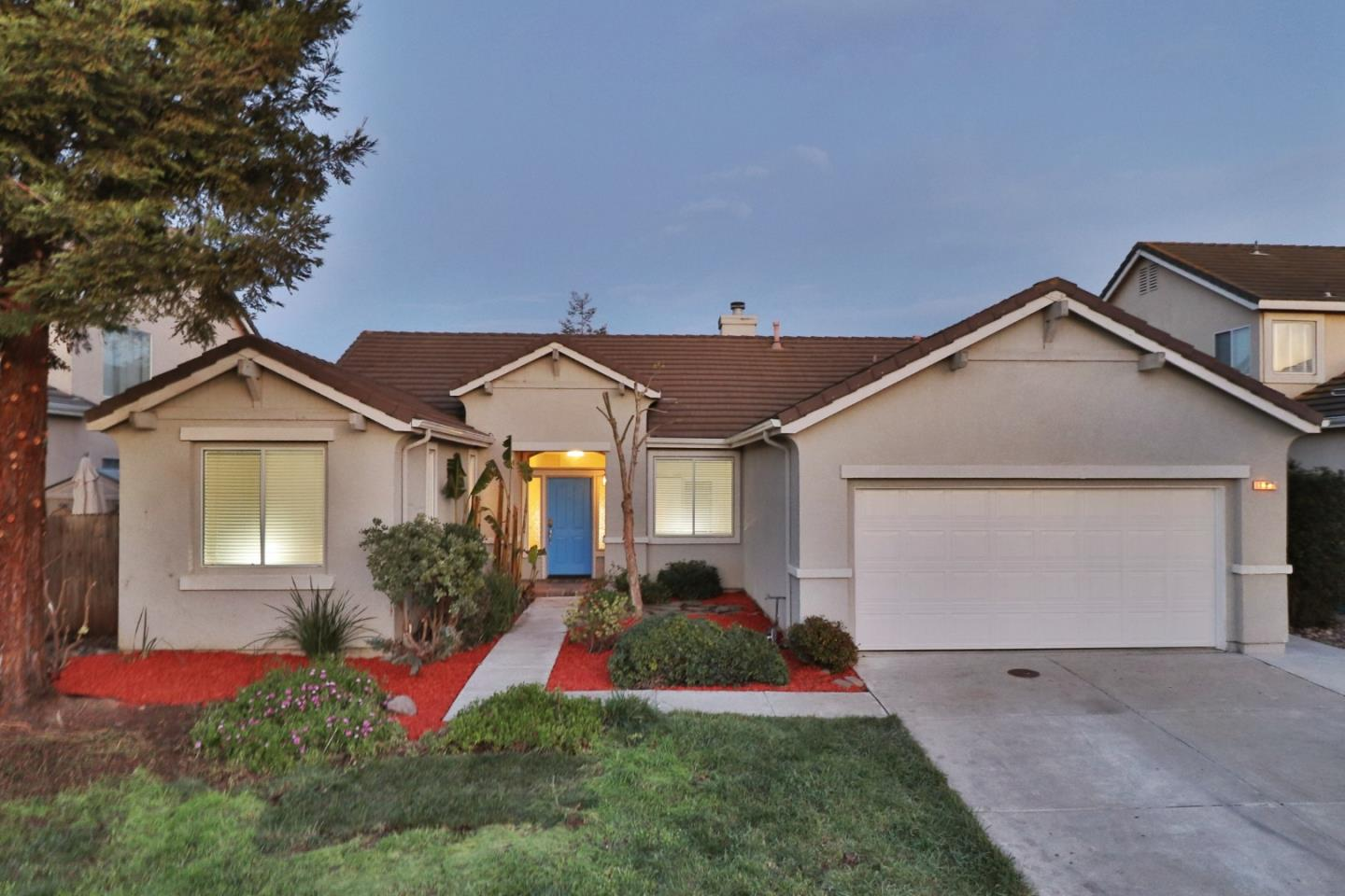 Detail Gallery Image 1 of 1 For 131 Marguerite Dr, Hollister, CA, 95023 - 4 Beds   2 Baths