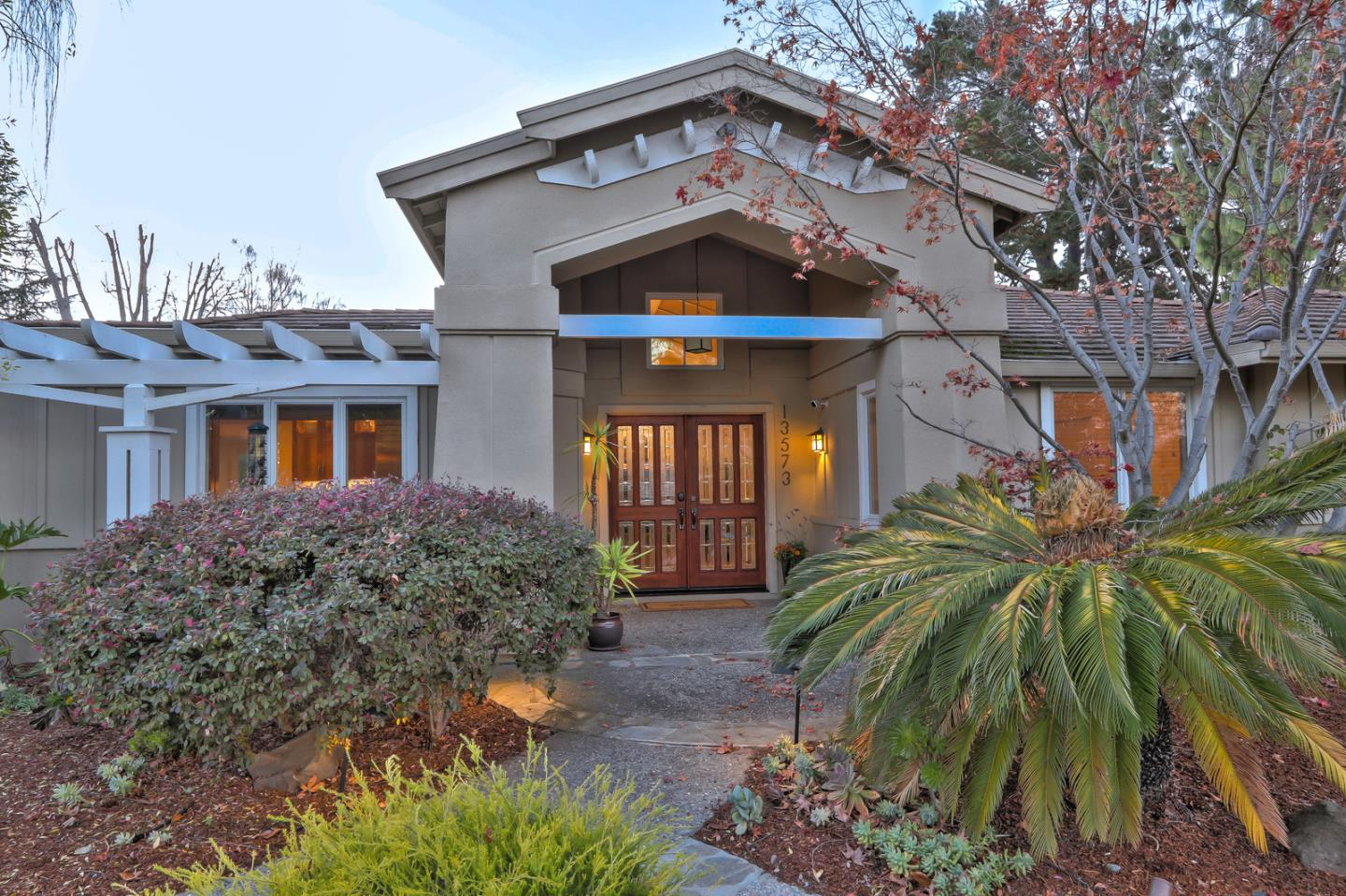Detail Gallery Image 1 of 1 For 13573 Ronnie Way, Saratoga, CA 95070 - 6 Beds   4/1 Baths