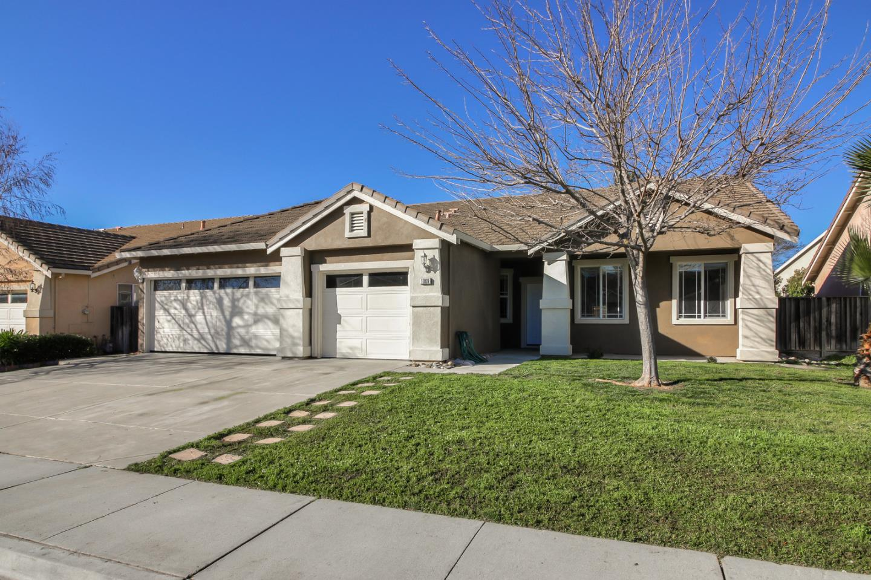 1069 Violet Way Gilroy, California 95020, 4 Bedrooms Bedrooms, ,2 BathroomsBathrooms,Residential,For Sale,1069 Violet Way,ML81740096