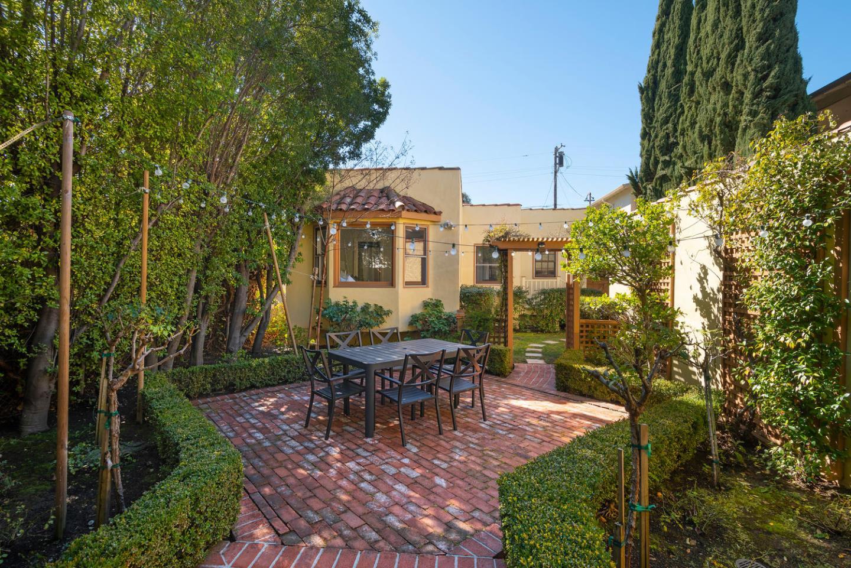 946 Evelyn ST, Menlo Park, California