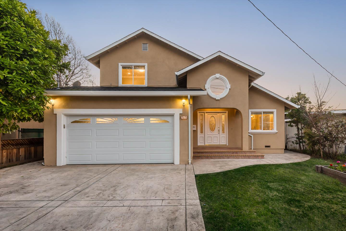 Detail Gallery Image 1 of 1 For 2573 Baylor St, East Palo Alto, CA 94303 - 4 Beds | 3/1 Baths