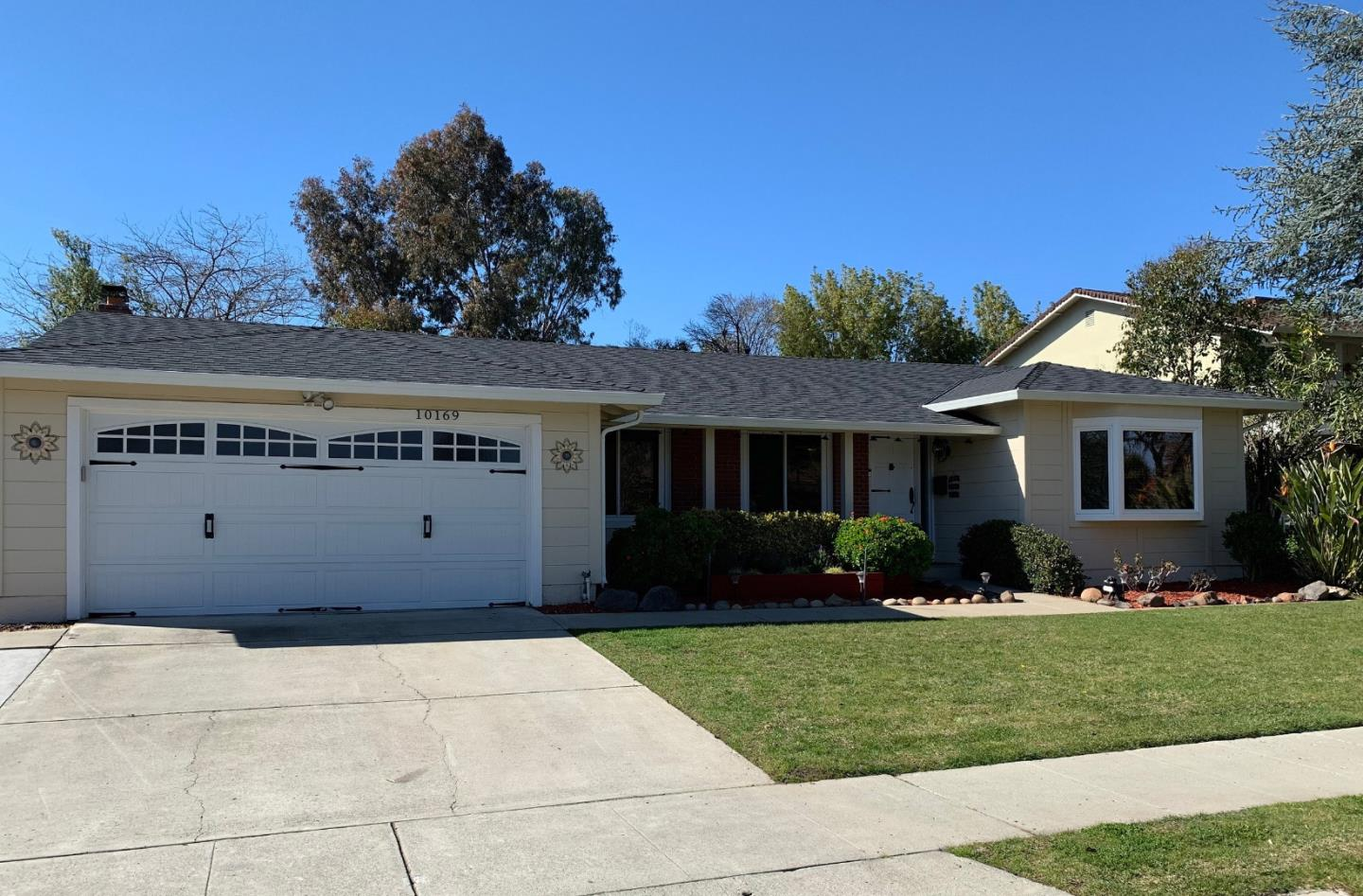 Detail Gallery Image 1 of 1 For 10169 N Blaney Ave, Cupertino, CA, 95014 - 4 Beds   2 Baths