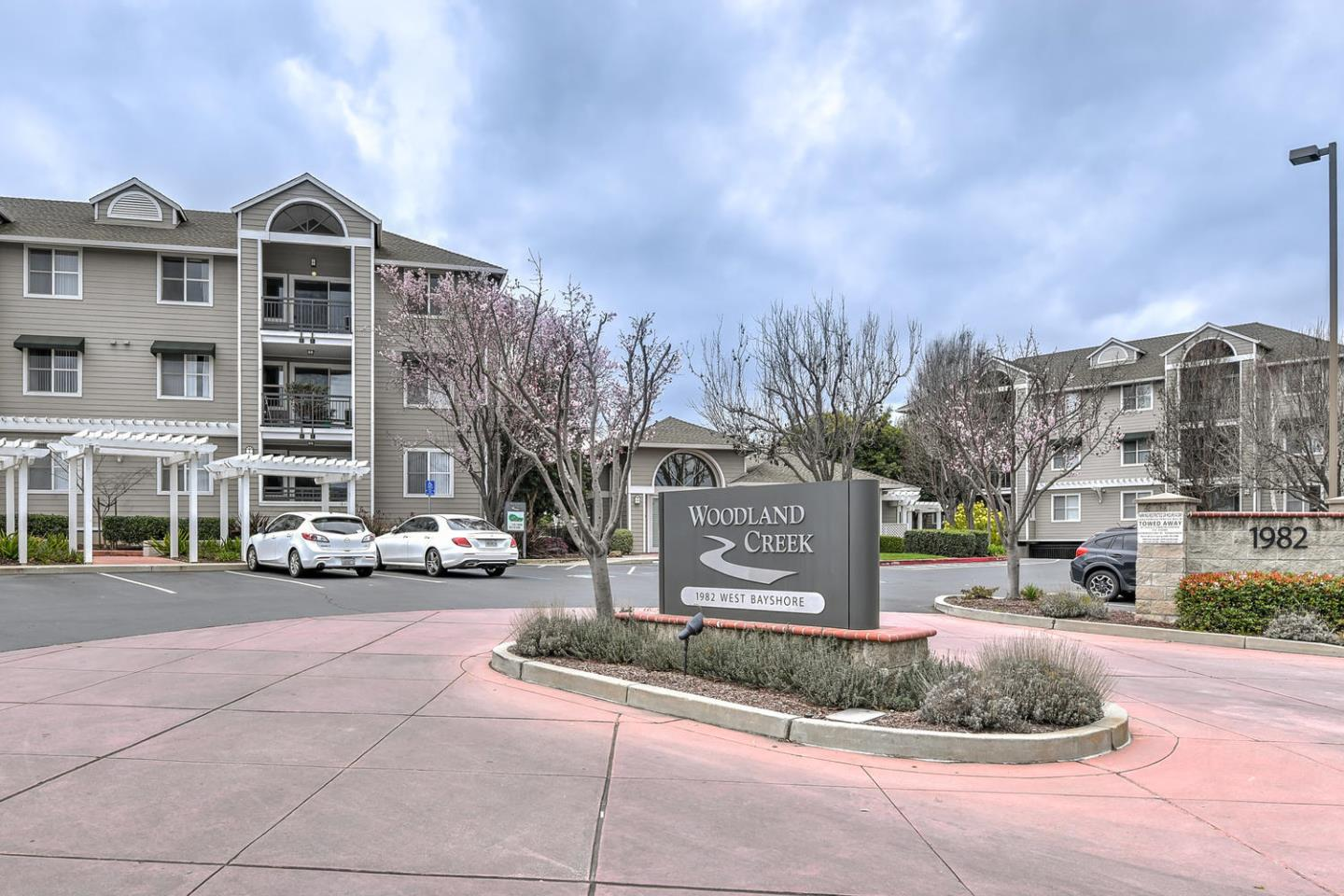 Detail Gallery Image 1 of 1 For 1982 W Bayshore Rd #121, East Palo Alto, CA, 94303 - 2 Beds | 2 Baths