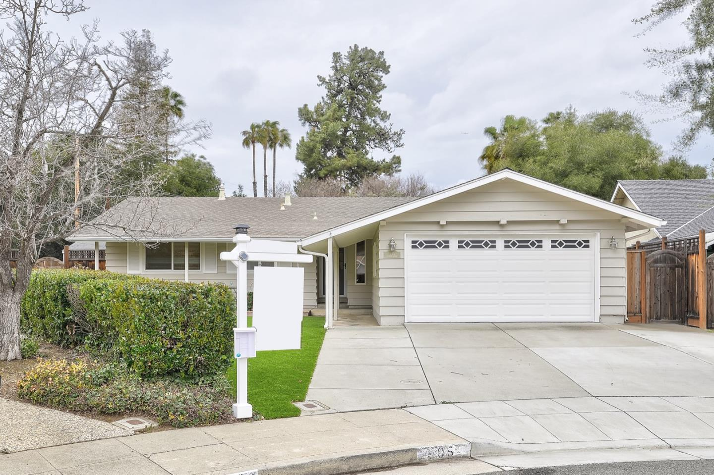 Detail Gallery Image 1 of 1 For 995 Poplar Ct, Sunnyvale,  CA 94086 - 3 Beds   2 Baths