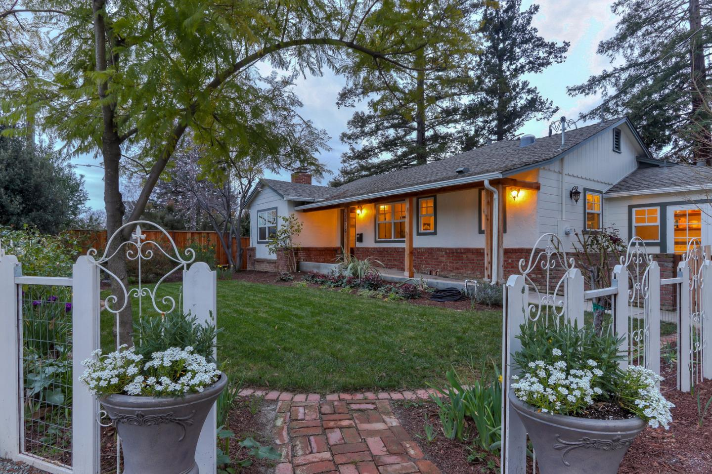 Detail Gallery Image 1 of 43 For 2238 Los Gatos Almaden Rd, San Jose, CA, 95124 - 3 Beds | 2/1 Baths