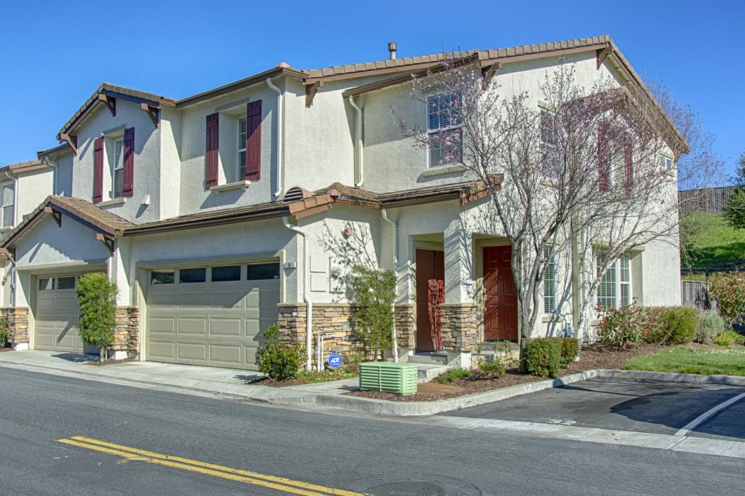 Detail Gallery Image 1 of 1 For 6 Paraiso Ct, Watsonville, CA 95076 - 4 Beds | 2/1 Baths