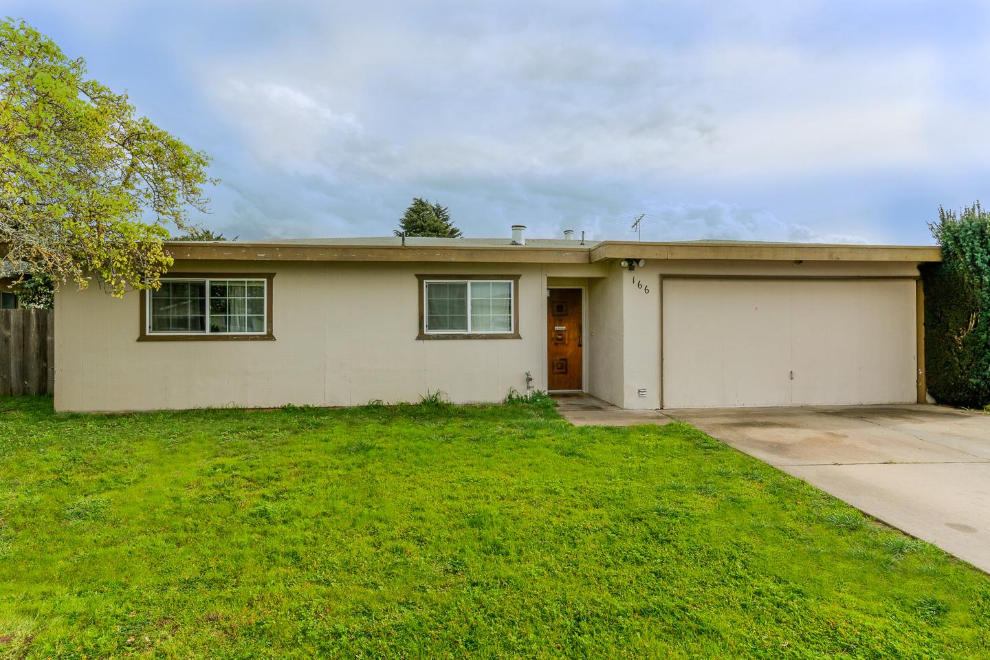 Detail Gallery Image 1 of 1 For 166 Barbara Way, Watsonville, CA, 95076 - 3 Beds | 2 Baths