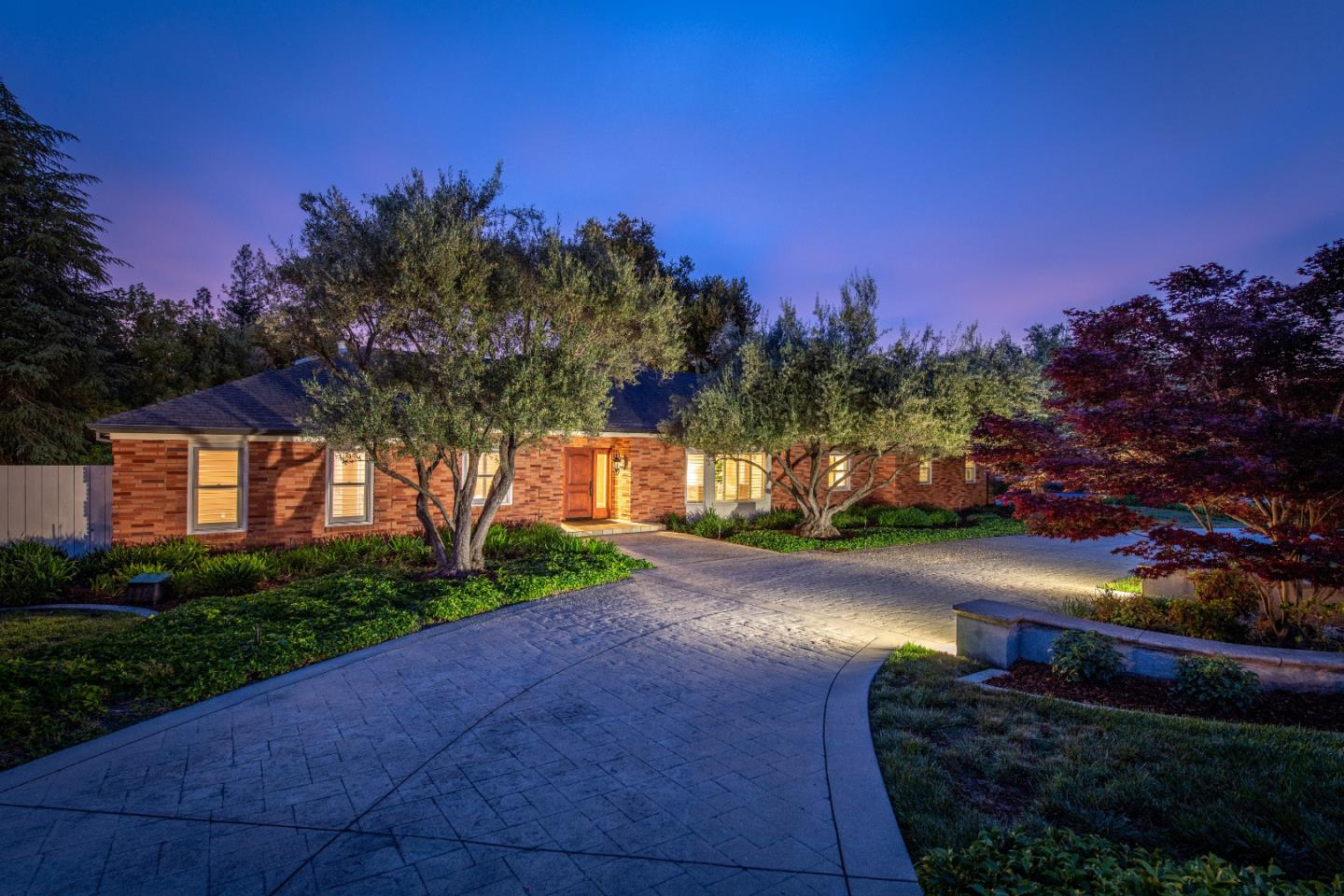 Detail Gallery Image 1 of 1 For 18481 Twin Creeks Rd, Monte Sereno, CA 95030 - 4 Beds | 2/1 Baths