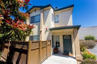 Detail Gallery Image 1 of 4 For 208 Martella St, Salinas, CA, 93901 - 3 Beds | 2 Baths