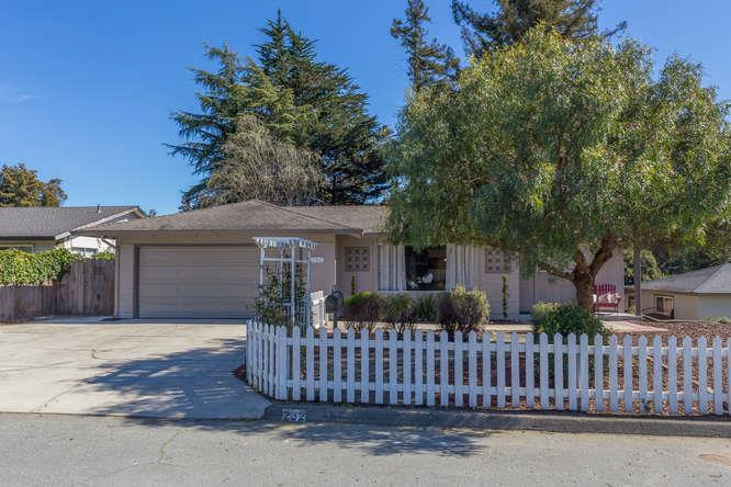 Detail Gallery Image 1 of 21 For 232 Sierra Vista Ct, Aptos, CA, 95003 - 3 Beds | 2 Baths