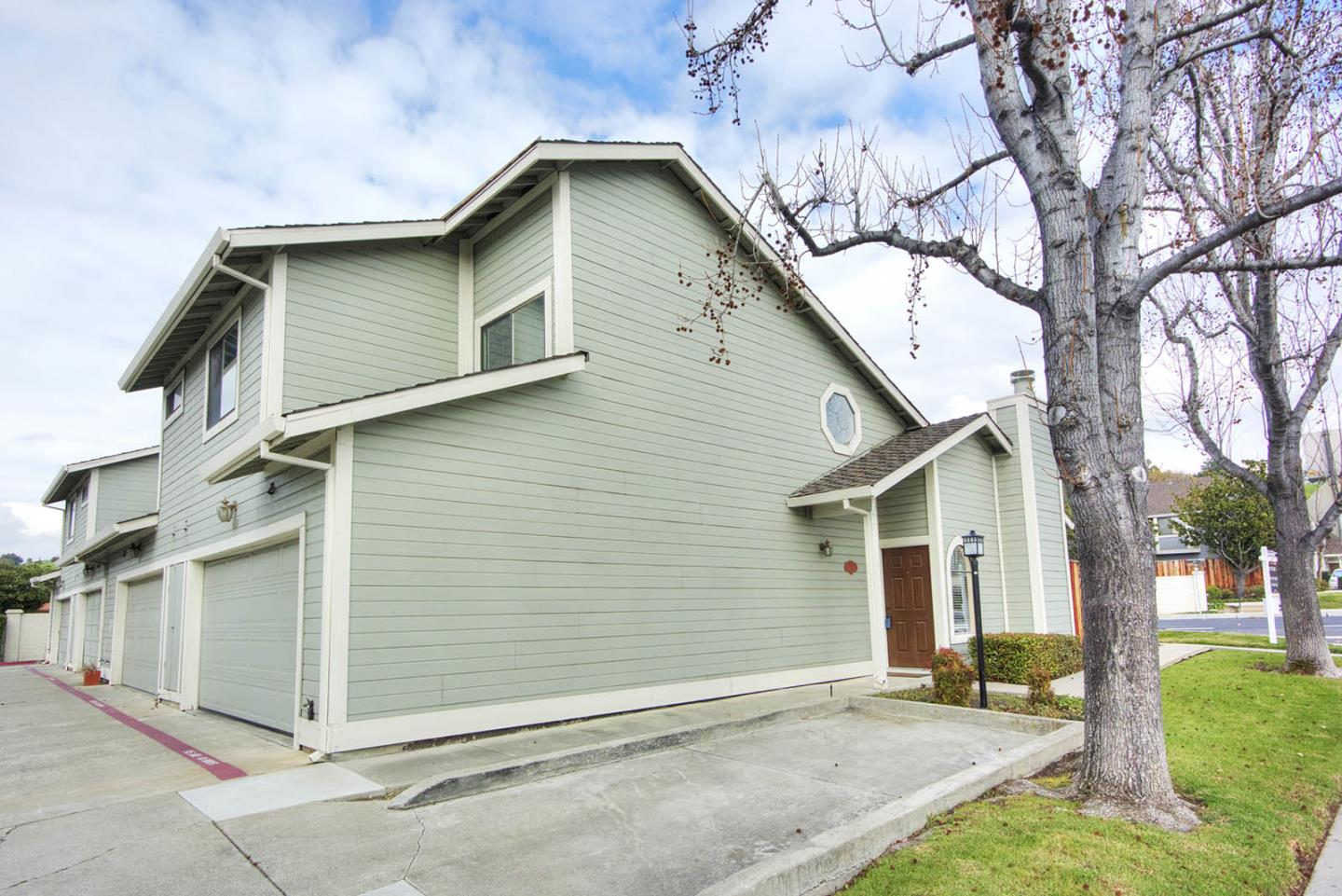 Detail Gallery Image 1 of 1 For 1237 Daniel Ct, Milpitas, CA 95035 - 3 Beds | 2/1 Baths