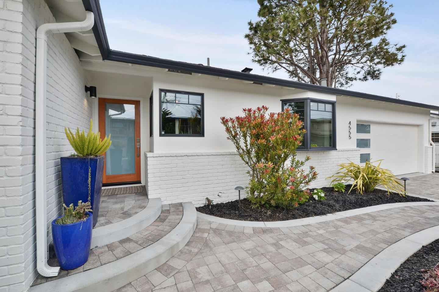 Detail Gallery Image 1 of 63 For 4555 Opal St, Capitola, CA, 95010 - 3 Beds | 2 Baths