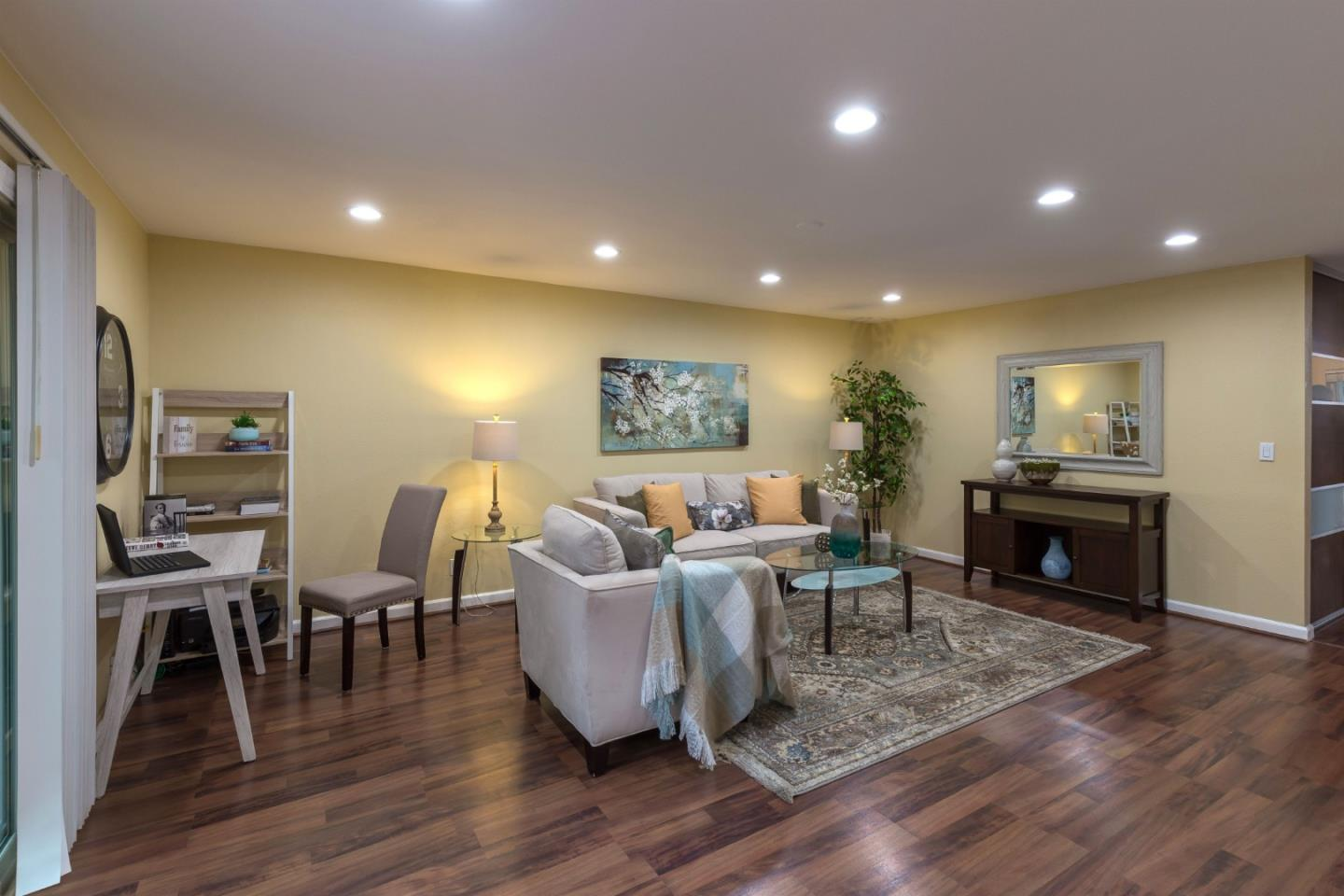 Detail Gallery Image 1 of 1 For 340 Auburn Way #13,  San Jose,  CA 95129 - 2 Beds | 1 Baths