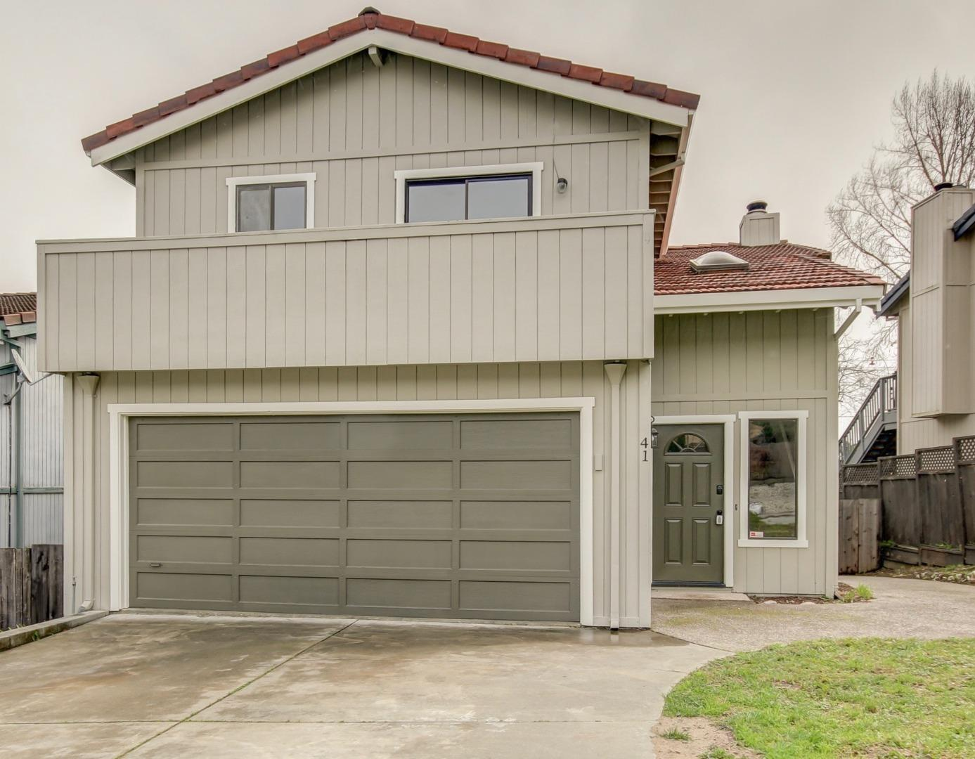 Detail Gallery Image 1 of 21 For 41 Rialto Dr, Watsonville, CA, 95076 - 3 Beds   2 Baths