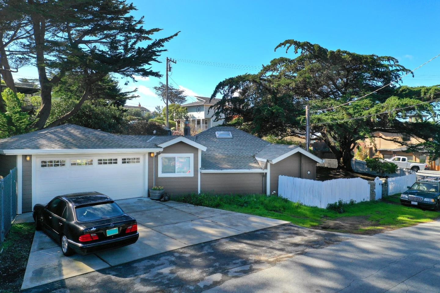 Detail Gallery Image 1 of 23 For 222 2nd St, Montara, CA 94037 - 1 Beds | 0/2 Baths