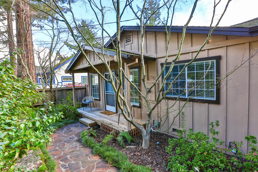 Los Gatos living in the mountains! Equipped w/ copper plumbing, dual pane windows, and inside laundry. Charming kitchen with updated cabinets dishwasher, refrigerator and gas stove. Luxurious master bedroom suite with walk in closet, vaulted ceiling and jacuzzi tub. Beautiful mature redwood trees, gorgeous maple Japanese maple trees and blackberry bushes in front yard. Enjoy only a 10 minute drive to downtown Los Gatos and 15  minutes to Santa Cruz! There is a separate exit off of Hwy 17 so you do not have to cross Hwy 17. Los Gatos schools with convenient bus service including Lexington Elementary, an IB (International Baccalaureate school). Served by San Jose Water Company. Nestled in sought after community Redwood Estates. Special amenities, the local post office and convenience store (with grocery store amenities) are only a short stroll away. Community events held at the Community Center throughout the year including Adult and Child Halloween parties & Residents Night Out!