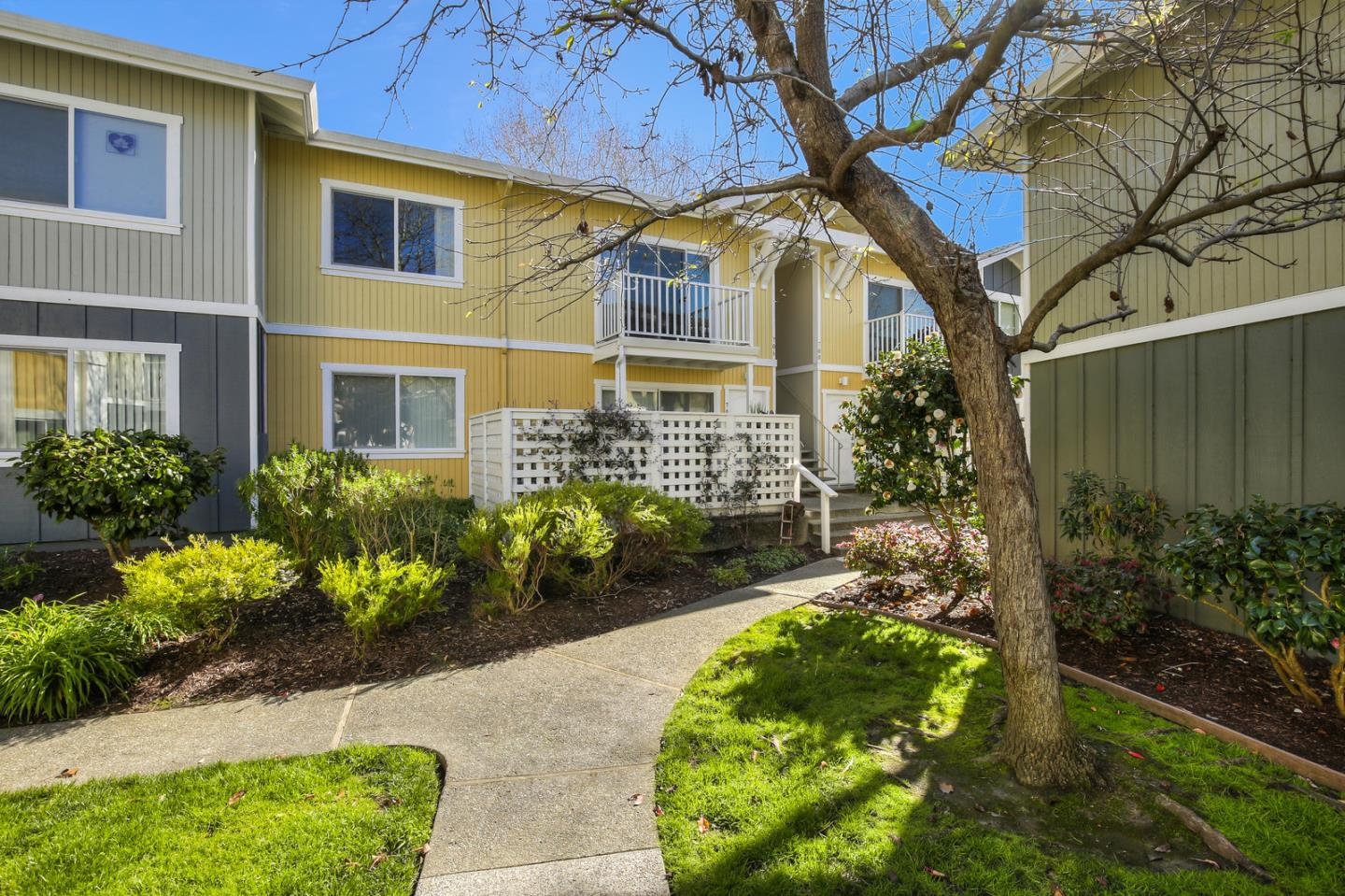 Super sweet condo just minutes walk to the best beaches in Santa Cruz, restaurants, coffee shops, brewery and Farmer's Market, truly one of the best beach locations.  Well maintained complex with great pool, gym, clubhouse and several outdoor BBQ areas.  The unit is on the top floor with lots of light and a deck.  Open concept kitchen and living room.  The kitchen has quartz counter tops and stainless steel appliances.  The bedroom has a large walk in closet and room for a desk.  The HOA fee is quite reasonable and covers water, garbage and sewer.  This is the ideal place for you if you want to park your car and walk or ride your bike to everything that Santa Cruz has to offer.