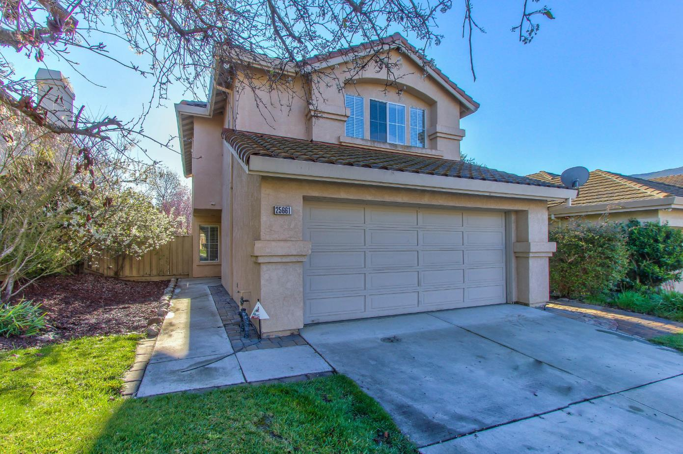 Detail Gallery Image 1 of 1 For 25661 Wisteria Ct, Salinas,  CA 93908 - 3 Beds | 2/1 Baths