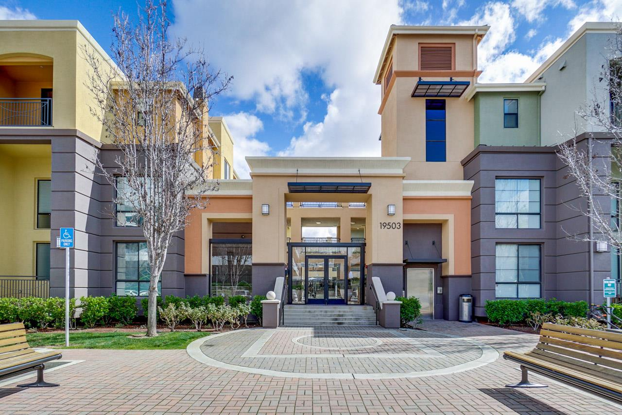 Detail Gallery Image 1 of 1 For 19503 Stevens Creek Blvd #138, Cupertino, CA, 95014 - 3 Beds   2 Baths