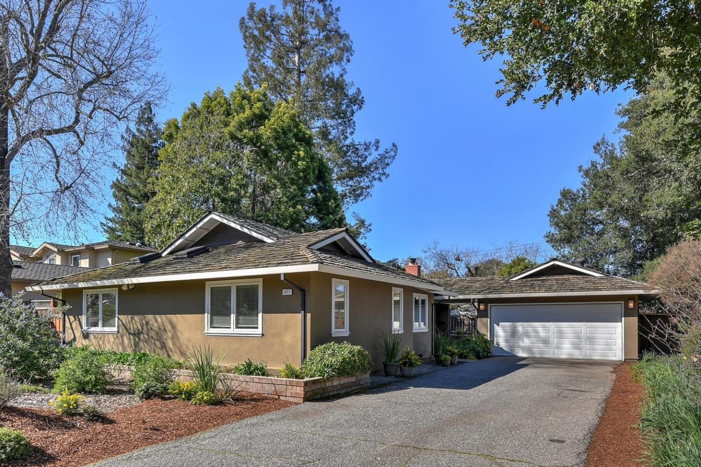 Detail Gallery Image 1 of 1 For 1872 Farndon Ave, Los Altos, CA 94024 - 3 Beds   2 Baths