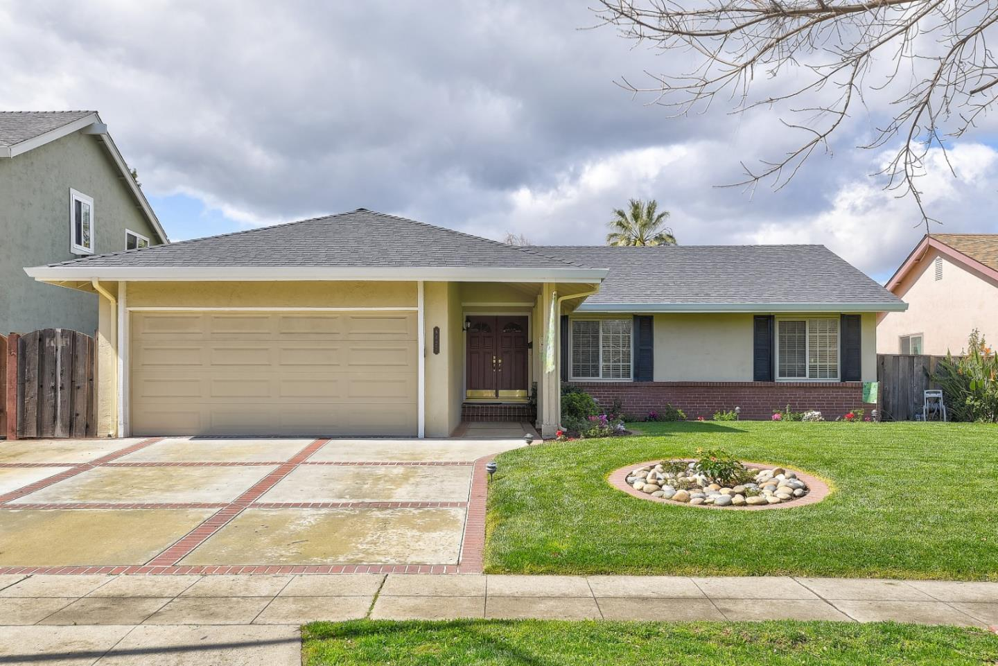 Detail Gallery Image 1 of 1 For 6427 Camino Verde Dr, San Jose, CA, 95119 - 3 Beds | 2 Baths
