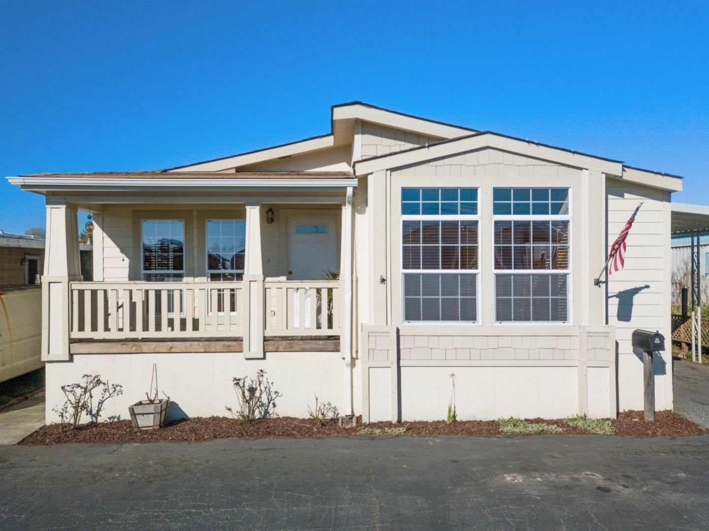 Detail Gallery Image 1 of 1 For 3710 Gross Rd #22, Santa Cruz, CA 95062 - 3 Beds | 2 Baths