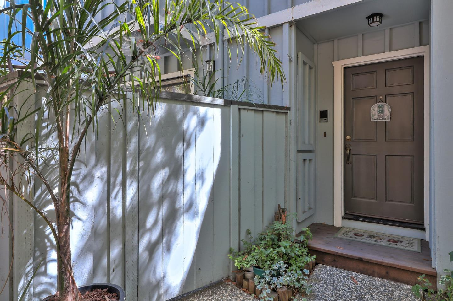 Detail Gallery Image 1 of 16 For 2102 Wharf Rd, Capitola, CA, 95010 - 2 Beds | 2/1 Baths