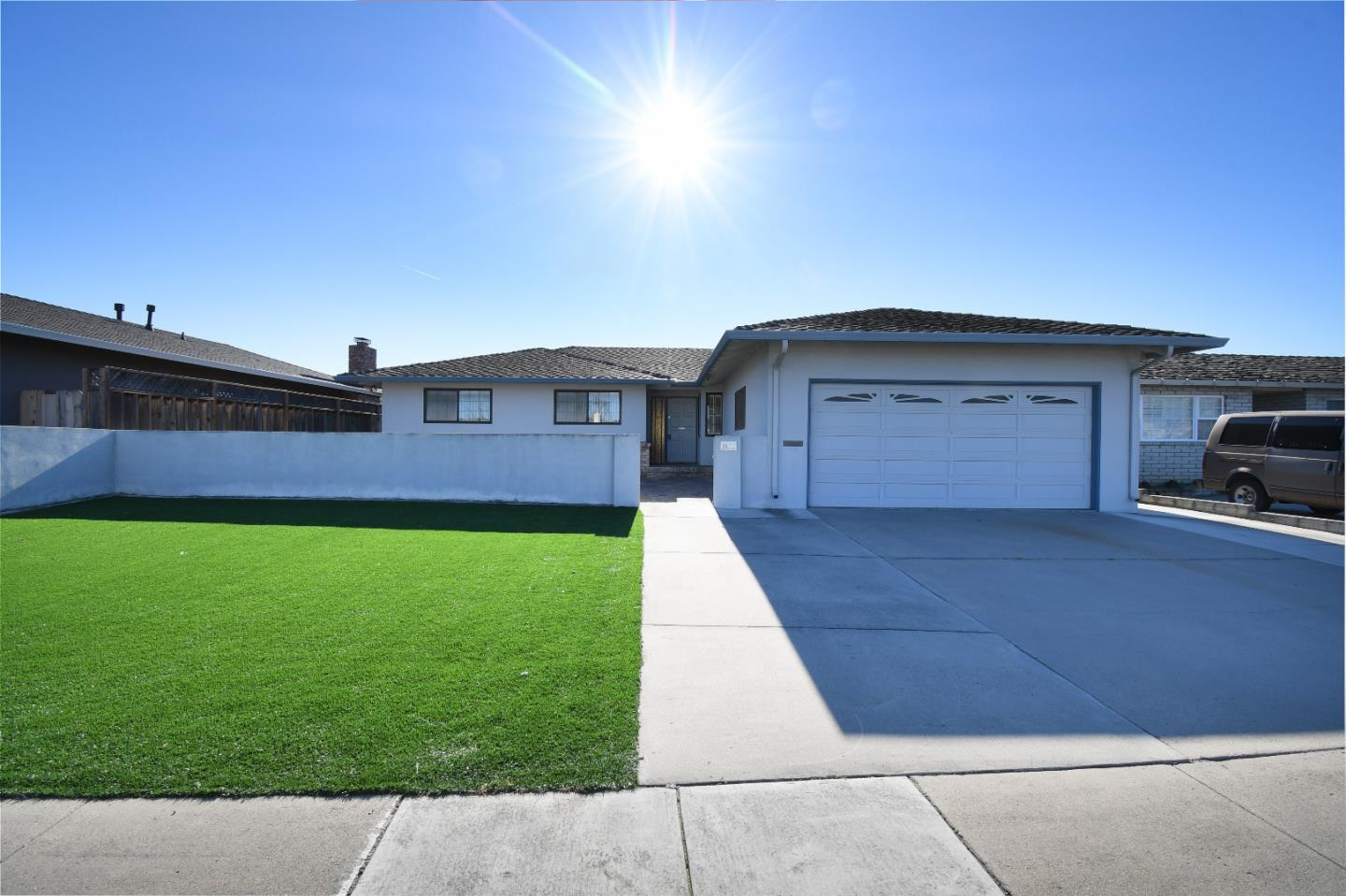 Detail Gallery Image 1 of 16 For 1073 Sierra Madre Dr, Salinas, CA, 93901 - 3 Beds | 2 Baths