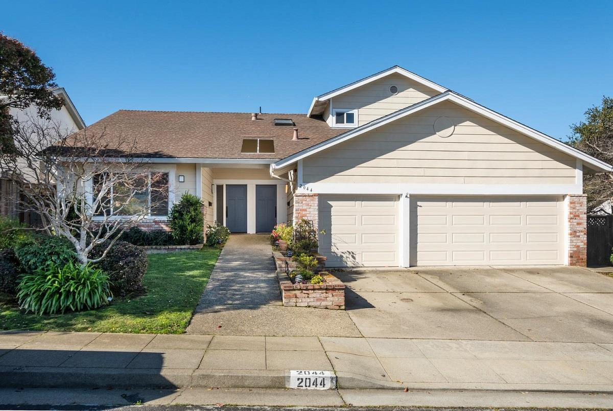 Detail Gallery Image 1 of 1 For 2044 Fairmont Dr, San Mateo, CA, 94402 - 1 Beds | 1 Baths