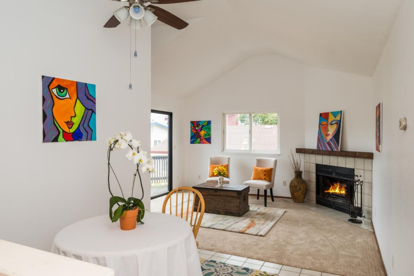 Detail Gallery Image 1 of 1 For 1303 Lowell St, Seaside, CA 93955 - 3 Beds | 2 Baths