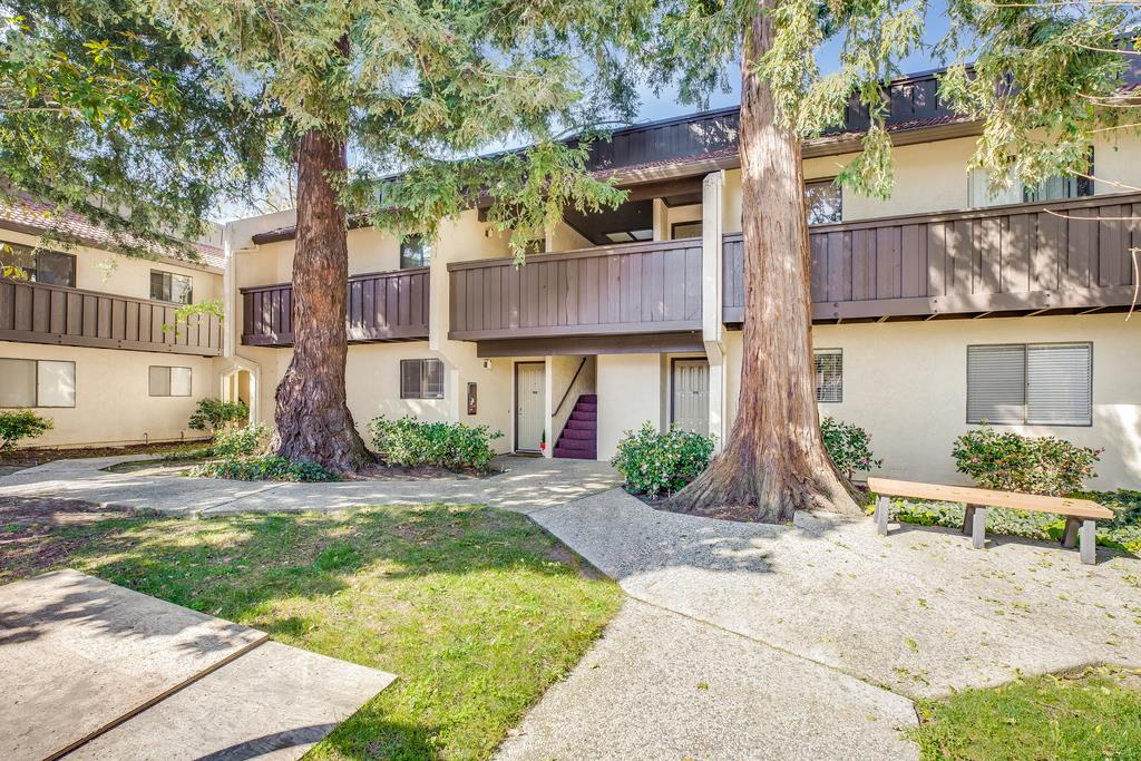 Detail Gallery Image 1 of 1 For 1001 E Evelyn Ter #111,  Sunnyvale,  CA 94086 - 2 Beds | 1 Baths