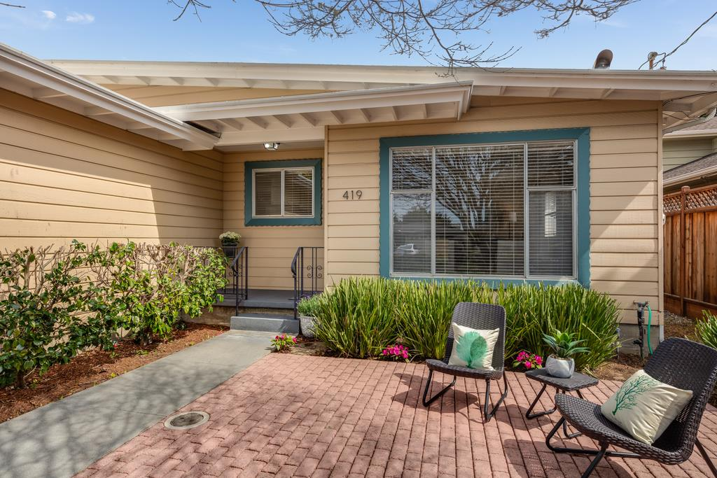 Detail Gallery Image 1 of 1 For 419 Cliff Dr, Aptos, CA, 95003 - 3 Beds | 2 Baths