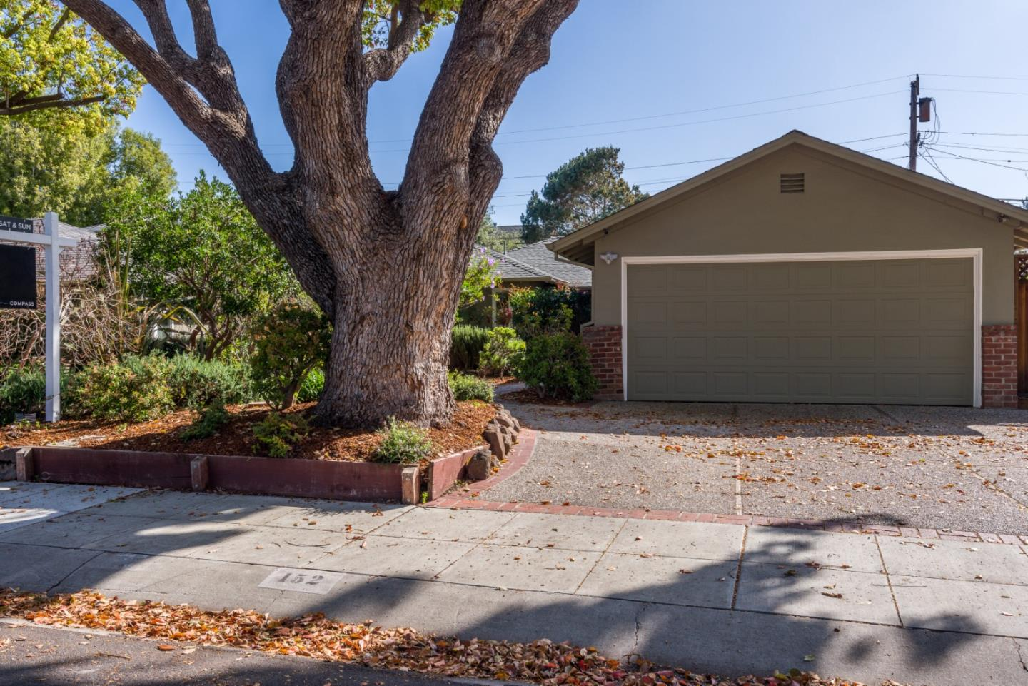 Detail Gallery Image 1 of 1 For 152 Walter Hays Dr, Palo Alto, CA 94303 - 3 Beds | 2 Baths