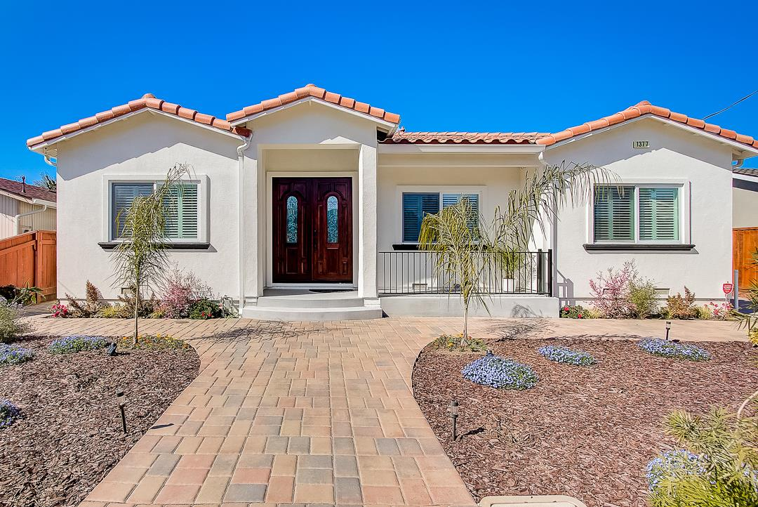 Detail Gallery Image 1 of 39 For 1377 York Ave, Campbell, CA, 95008 - 4 Beds | 3 Baths