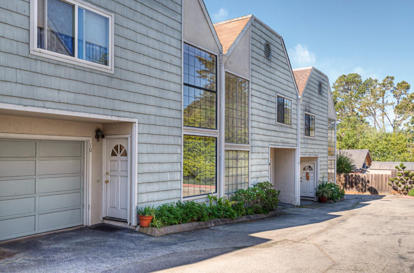 Detail Gallery Image 1 of 13 For 1001 Funston Ave #10, Pacific Grove, CA, 93950 - 2 Beds | 2 Baths