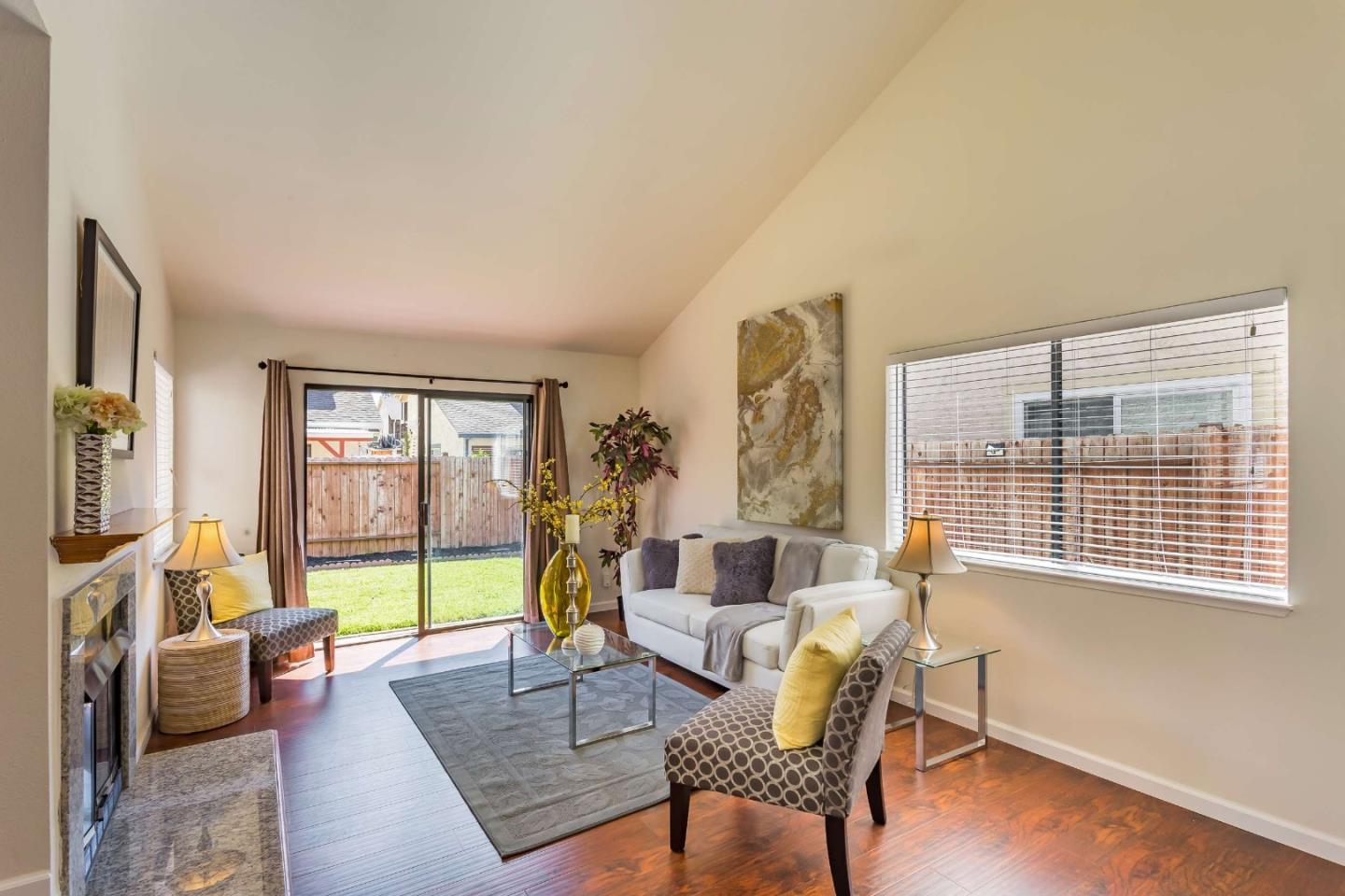 Detail Gallery Image 1 of 30 For 1726 River Birch Dr, San Jose, CA, 95131 - 3 Beds | 2/1 Baths